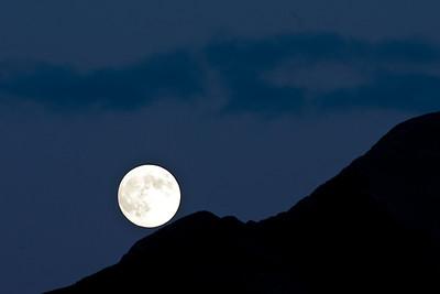 Moon ridge